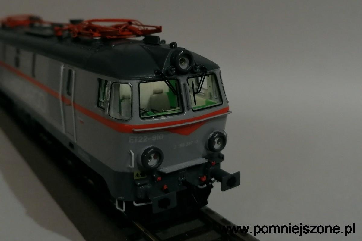 et22-910-11